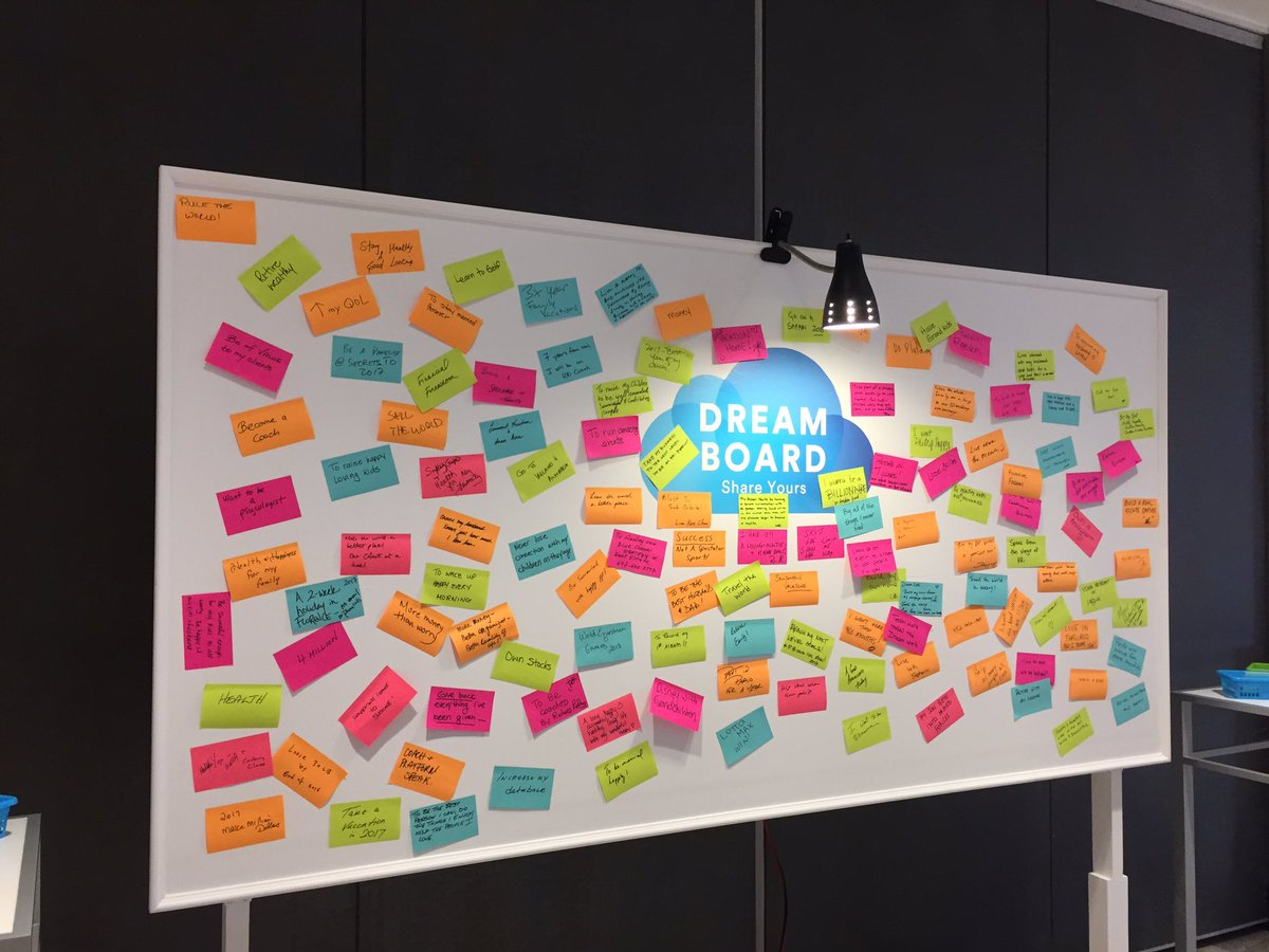 So excited to see the dream board filling up! Still some time left to add yours! #RRiLive #daytwo #beautifullife https://t.co/frjRdhJtpg