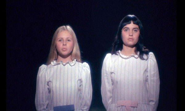 #映画で印象に残っている舞台劇「小さな悪の華」(1970)詩の朗読で舞台に上がった二人の15歳の少女が、観客の前で自分の