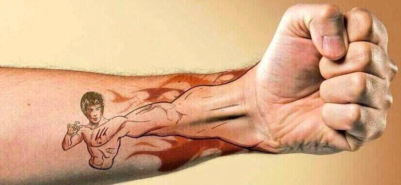 Bruce Lee would've been 76 years old this week. Here's the best tattoo anyone's ever gotten of him. https://t.co/vcnGKh54PB