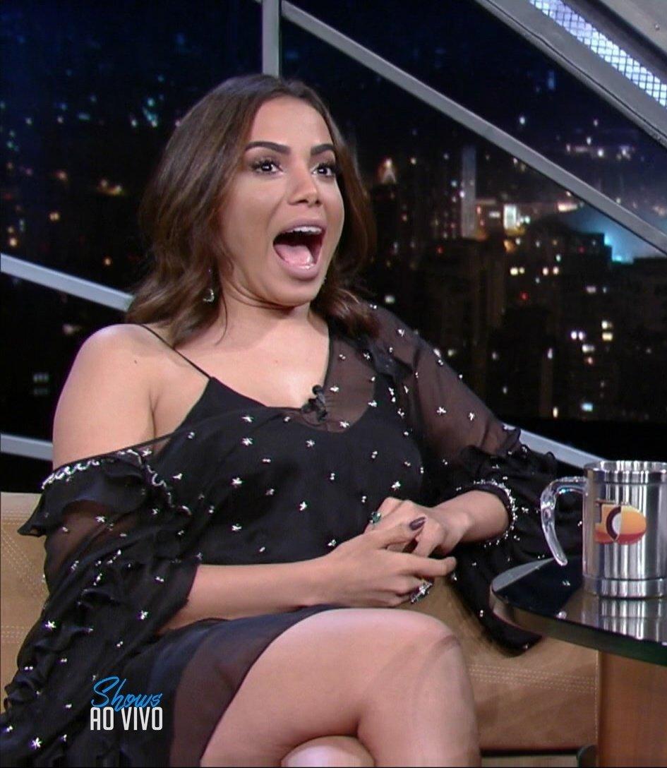 #AnittaNoJô: Anitta No J &ocirc ;
