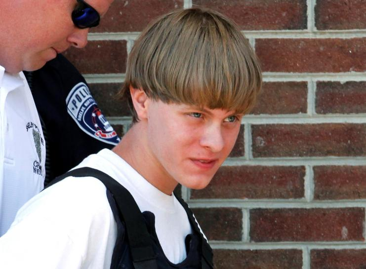 Accused South Carolina church shooter, acting as own lawyer, helps pick jurors