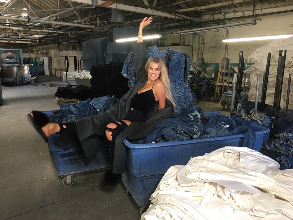 Surprise visit to our factories!!! #GoodAmerican https://t.co/3FXB3UlKIy
