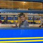 Máxima en Mathilde met de trein naar Utrecht