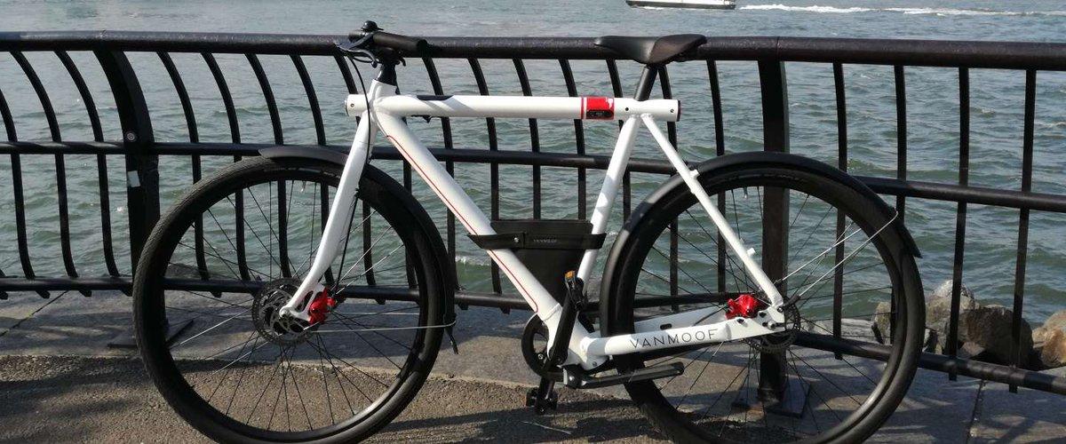 VanMoof fietsen vind je overal ter wereld. https://t.co/mhXRJswU57 https://t.co/RmXr1vkNBm