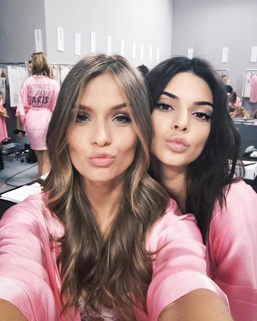 RT @JosephinSkriver: kisses from the dressing room! First show is about to start!! ????????#vsfashionshow #vsfs2016 https://t.co/qngSQx1Dhn