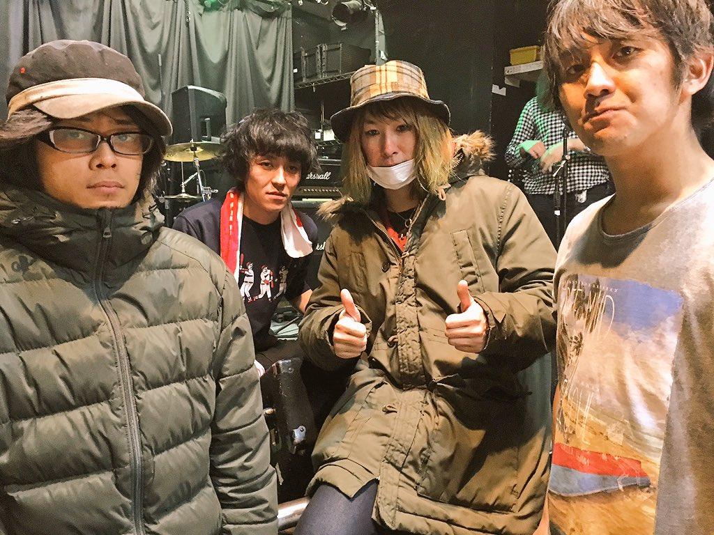 11/30札幌スピリチュアルラウンジセットリスト1 星空のロジー2 俺達を呼んでいる3 心を離さない4 君のいる町(新曲