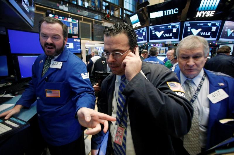 Tech stocks weigh on S&P, Nasdaq