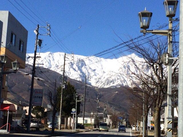 ツアーで行く白馬はこんな景色です!今日は晴れています。美しい山々に癒されます。空気もきれいですよ! #SB69 #雪山6