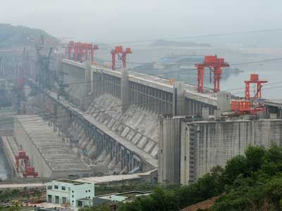 The three gorges dam in China holds back so much water it slows the rotation of the earth slightly. https://t.co/C6eqzN8jTq