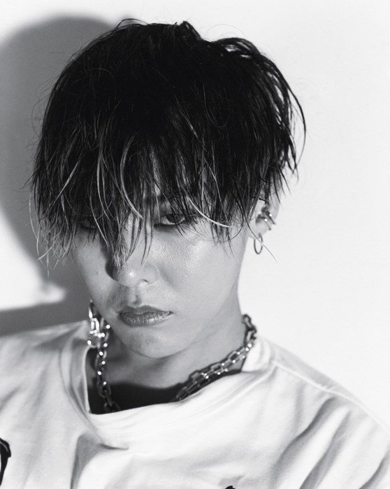 G-Dragon shot by Noboyushi Araki: https://t.co/6aw7WdvnuH @IBGDRGN https://t.co/LbOxv4Gkz8