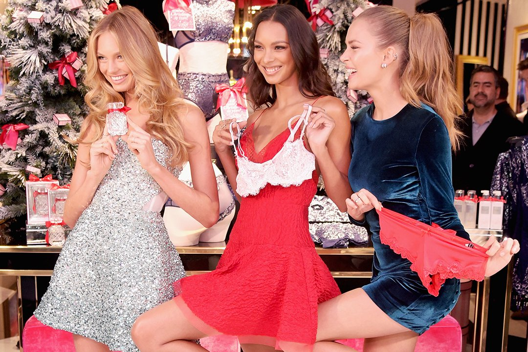 The Angels celebrate our hottest holiday looks at #VS5thAveNYC! https://t.co/y2ylO2xY62