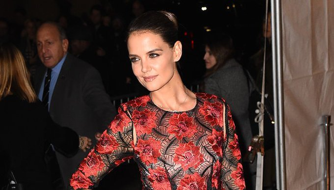 InStyle @InStyle: Katie Holmes makes a rare public appearance and looks AMAZING in this red dress: https://t.co/IwCvTHVEBx https://t.co/REhx8NGEHT