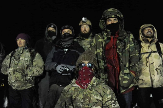 US veterans are being human shields to protect Standing Rock pipeline protesters https://t.co/AjOoEsKyeO