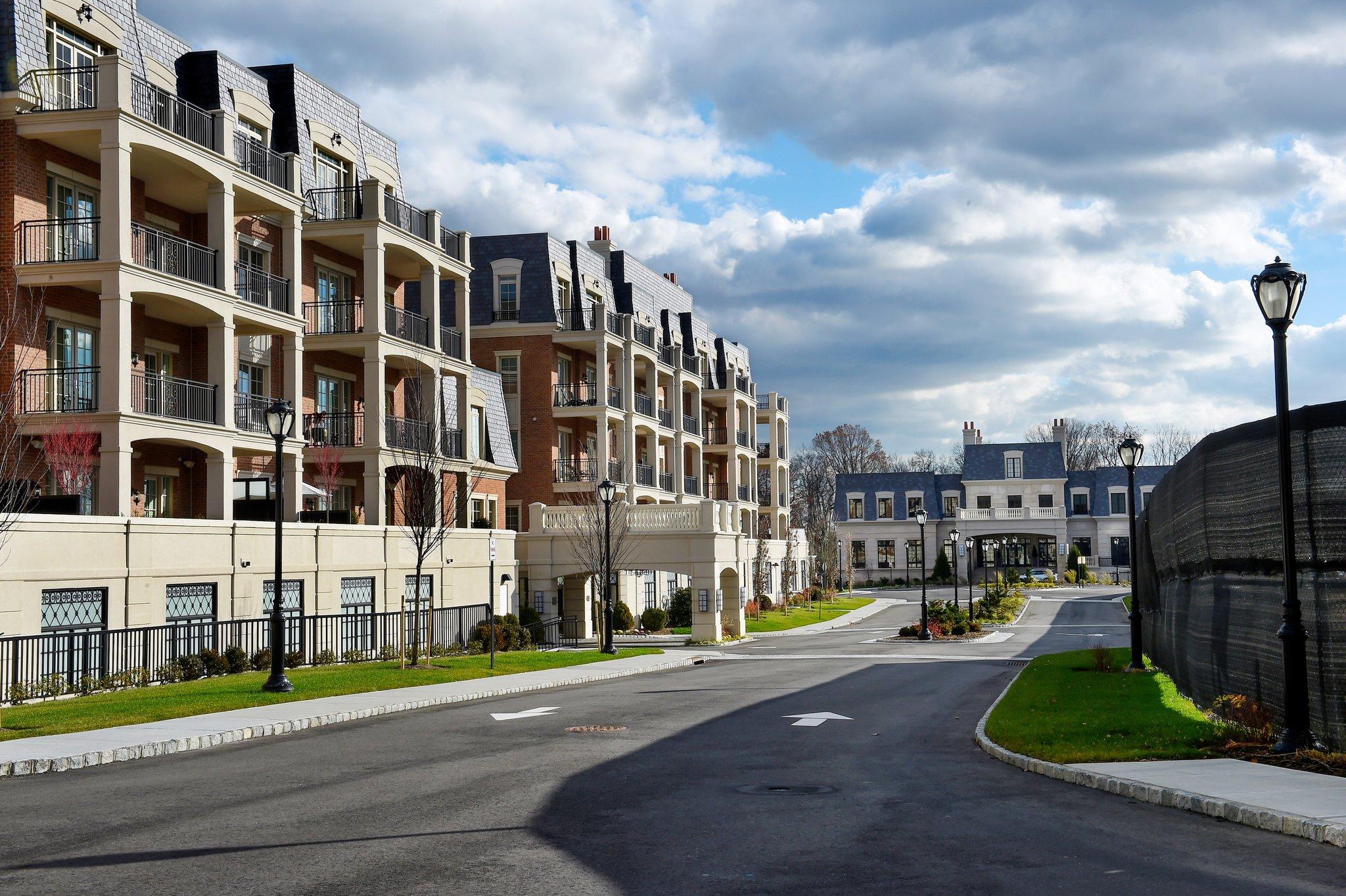 The New Suburbia: More Urban, via @BetterBurbhttp://ow.ly/6xVu307c3qM : https://t.co/8x7NZ8dCor