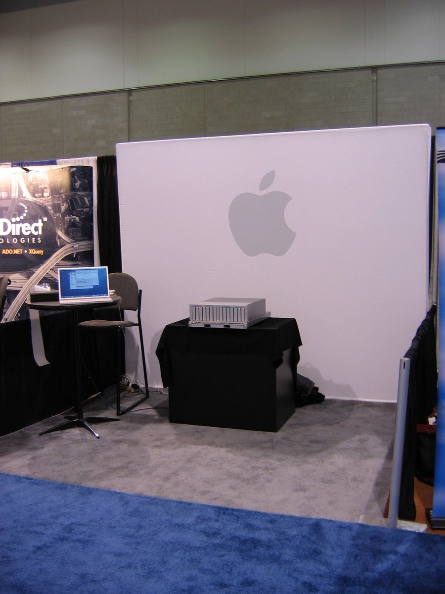 @512px @siracusa oh man i found a pic of the Xserve/Xserve RAID booth I staffed at Linuxworld 2006! https://t.co/DjxRT0wktM