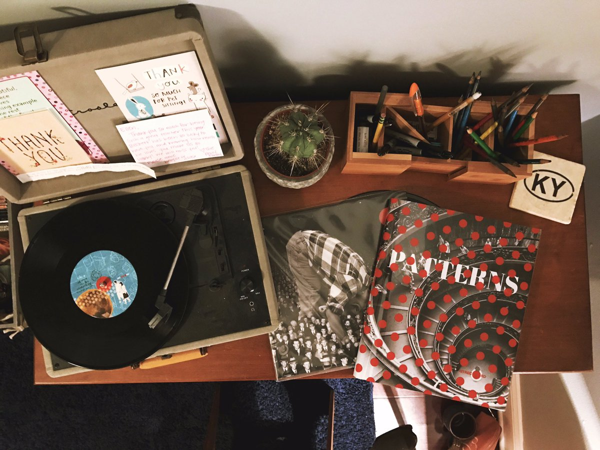 RT @Ellen_Kate05: Loving my Patterns book and the Front of Your Life vinyl! Well done @hitRECord @hitRECordJoe !???? https://t.co/087ftaRaGt