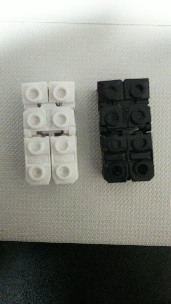 本当に今更だけど、テンカイナイトの玩具買ったよ!こんな普通のブロックが、あっという間に格好いいロボットに!……黒騎士、黒