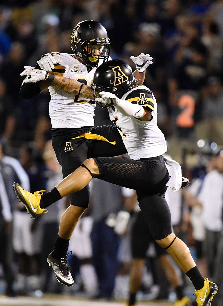 Best records in FBS over last 32 games:   Alabama: 30-2 Ohio State: 30-2  Clemson: 29-3 #AppState: 27-5 https://t.co/nrKY9OoIBf