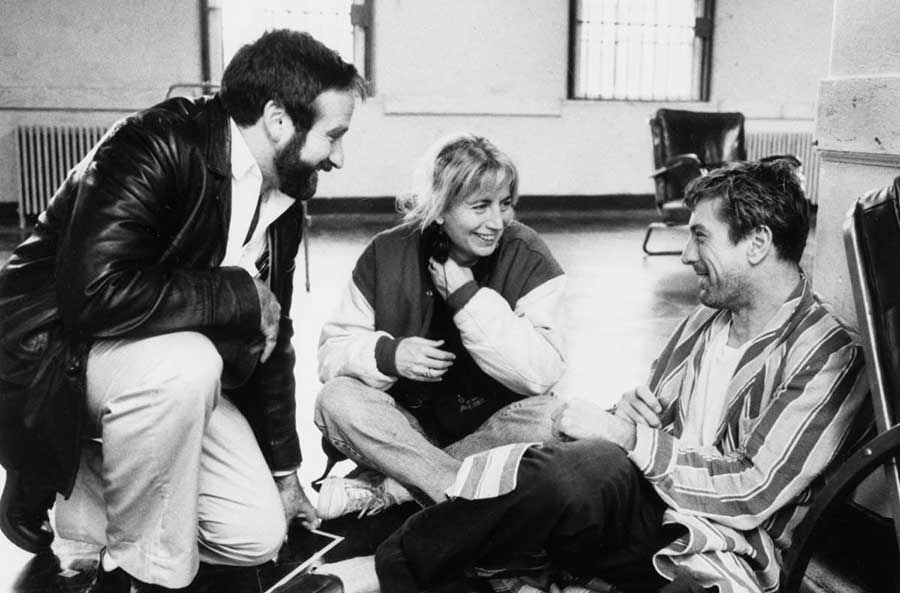 RT @Thisisnotporn: Robin Williams, Penny Marshall and Robert De Niro on the set of Awakenings. https://t.co/BzkFiucmT8