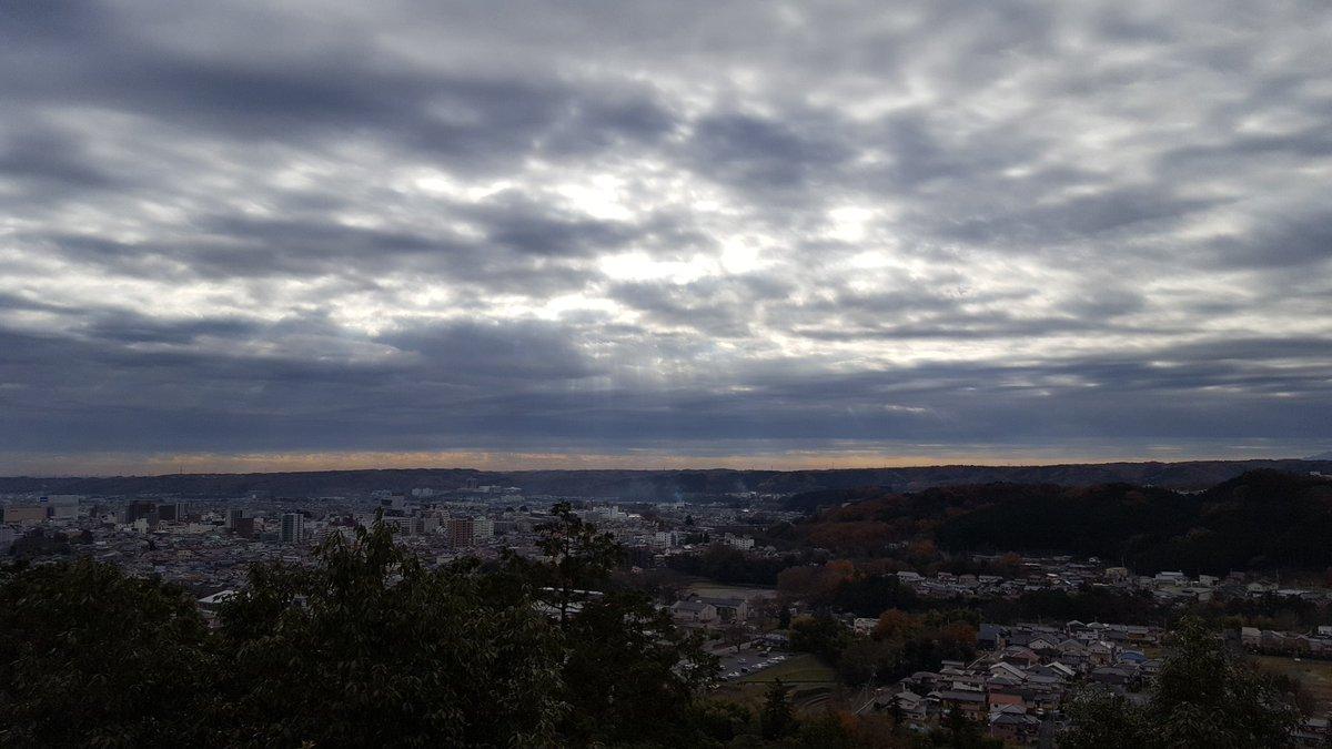 本日の天覧山は、分かりづらいかもですが、若干天使のハシゴってます!#ヤマノススメ#ヤマノススメ三期熱望