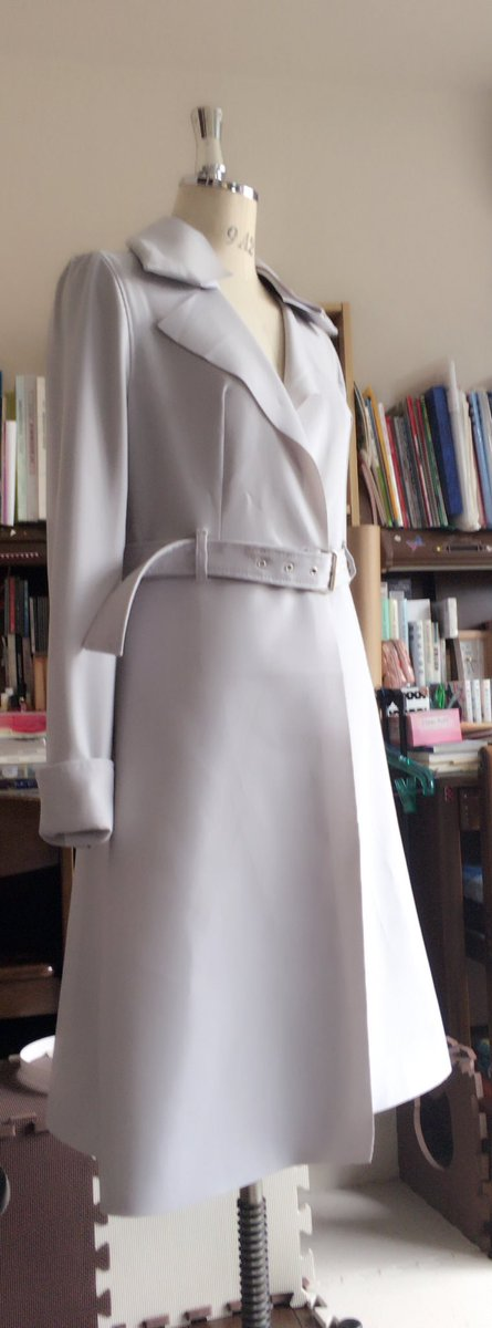 #東京喰種 :re 才子のコート(ง ˙ω˙)ว #繋がらなくていいから俺の自作衣装を見てくれこれを…こうして…こうして