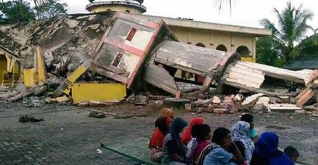 Indonesia earthquake casualties pass the 100 mark
