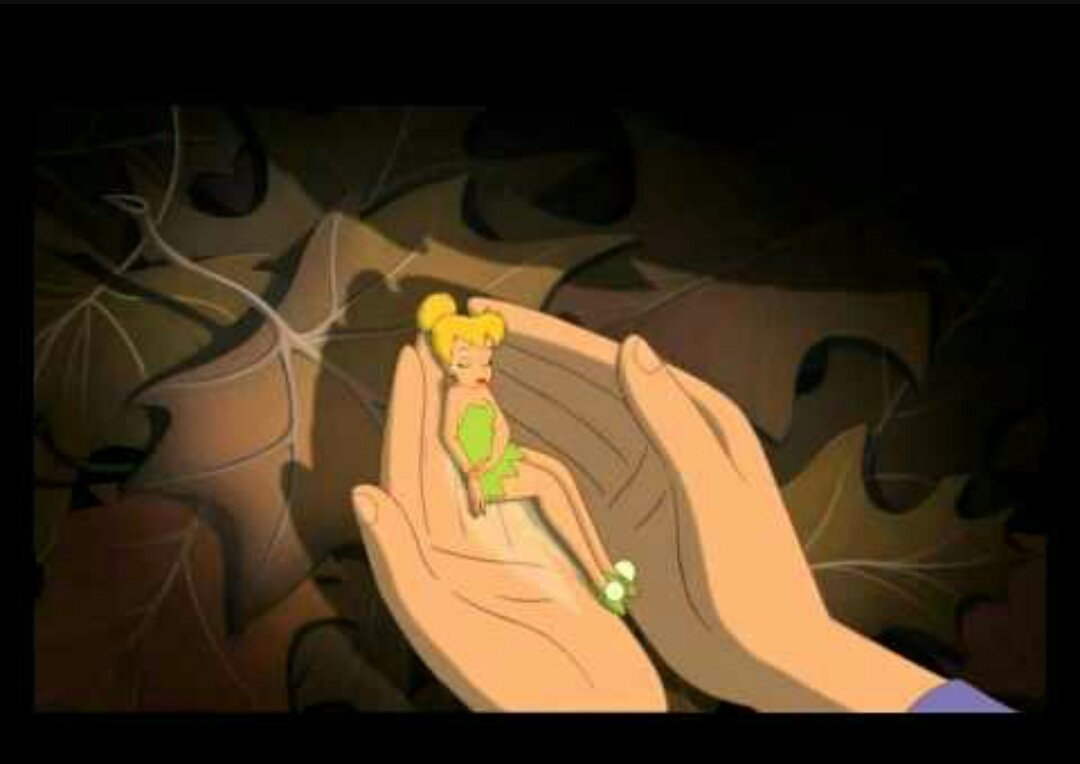 RT @sexyypeach: The part in Peter Pan where Thinker Bell dies, I still cry 😔😭 #DisneyScenesIWillNeverGetOver https://t.co/YOhhGfz7aC