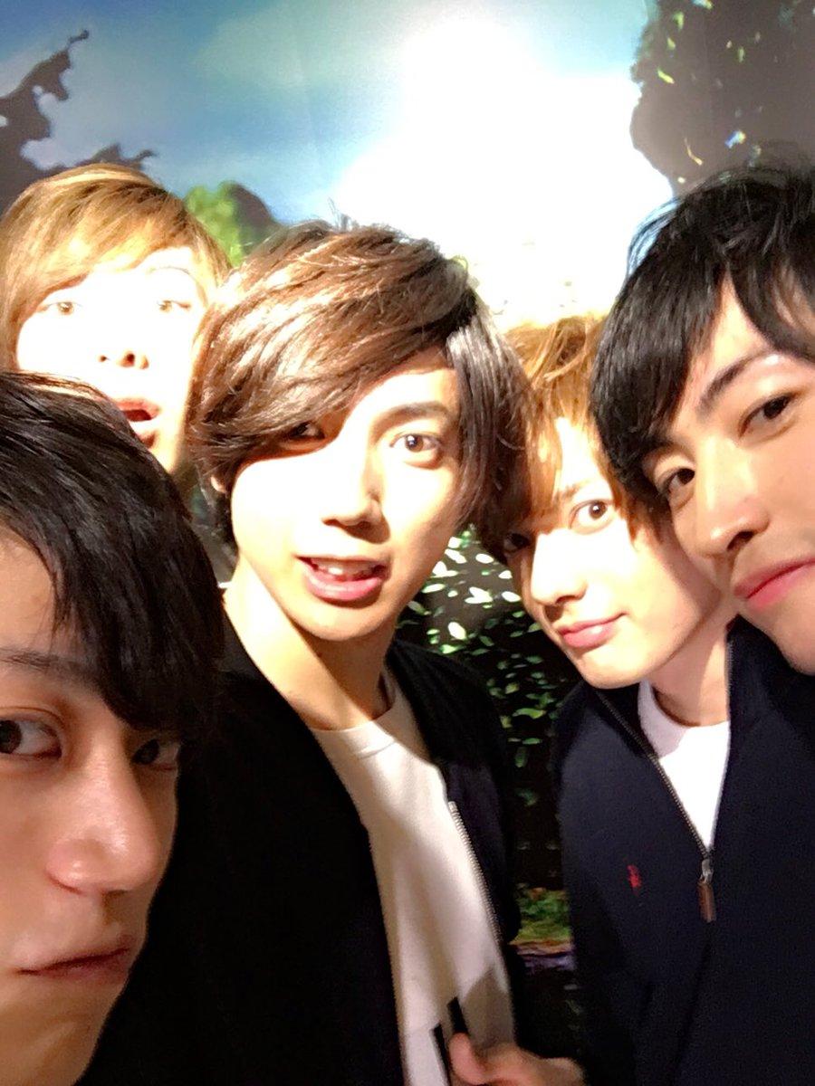 SHOWROOM 「刀剣乱舞2.5Dカフェ サテライトスタジオ 」遅くまでご視聴ありがとうございました!!楽しいひと時で