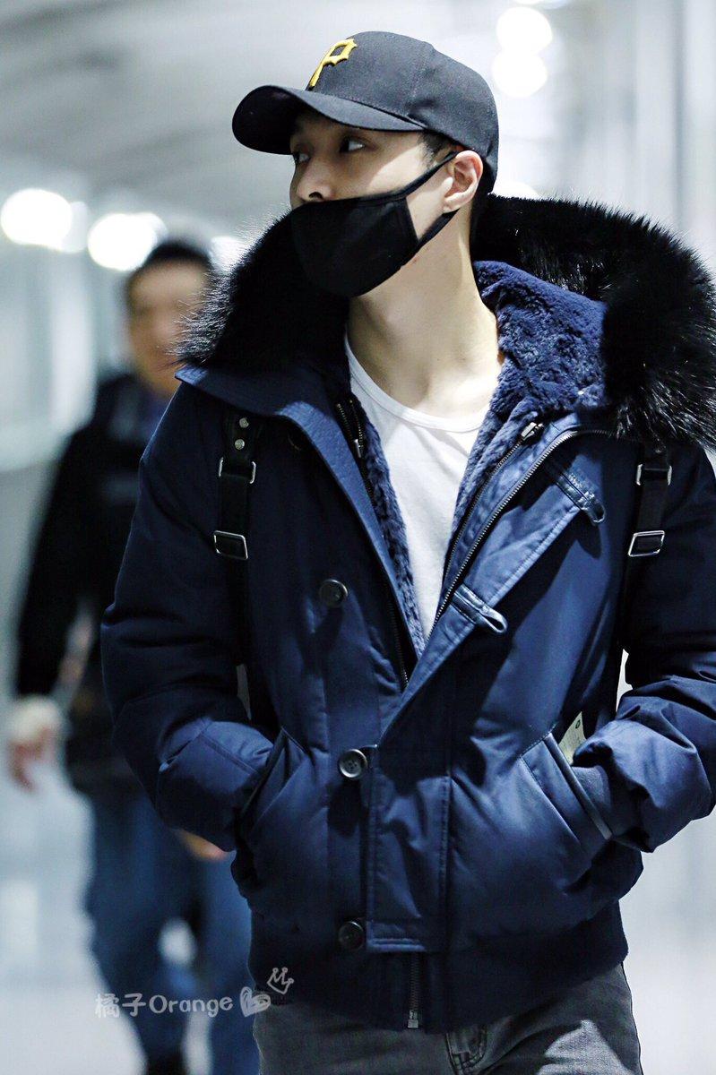 161208 #ZhangYixing #레이 #Lay KIX Airport cr 橘子_Orange