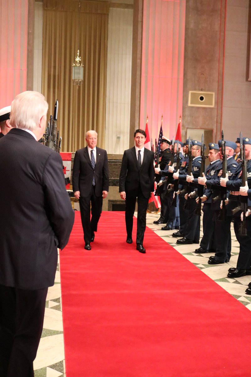 .@CanadianPM and guest of honor #US @VP Joe Biden arrive at official welcome dinner in #Ottawa. #VPvisit #USCanada https://t.co/F5wMH0ogIt