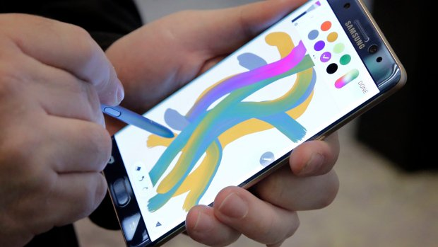 Samsung to disable Note 7 phones in recall effort
