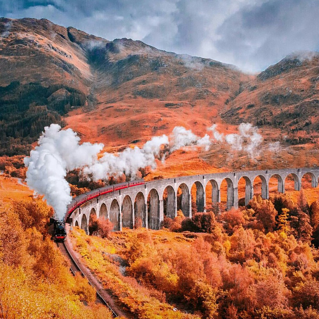 Viaduct of Glenfinnan #Scotland https://t.co/ZDRyyBioAn