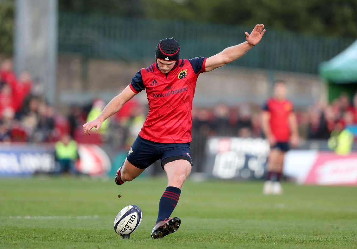 This #MunsterRising is off to a perfect start with Bleyendaal making it 4/4 from the tee. #MUNvLEI https://t.co/d0RPBOPpVN