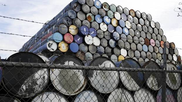 Non-OPEC producers agree to cut oil output as part of global deal from @GlobeBusiness