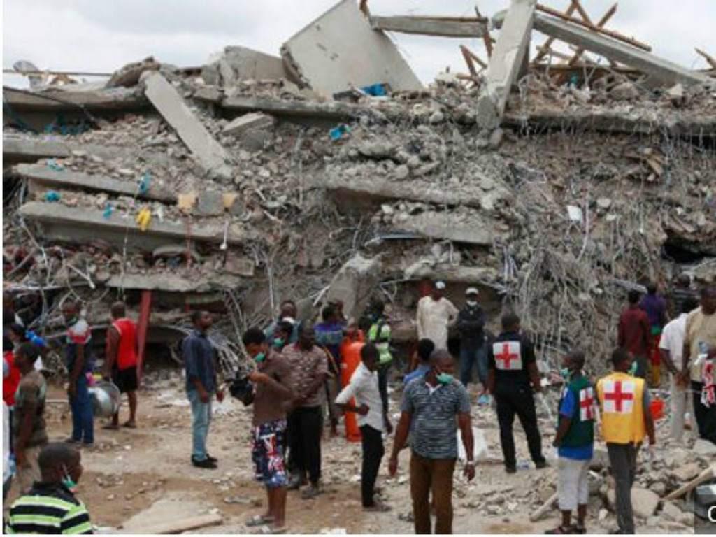 Lo más visto # 5  Cae techo de una iglesia en Nigeria y mata a 60 personas►https://t.co/2kkA29XYOA