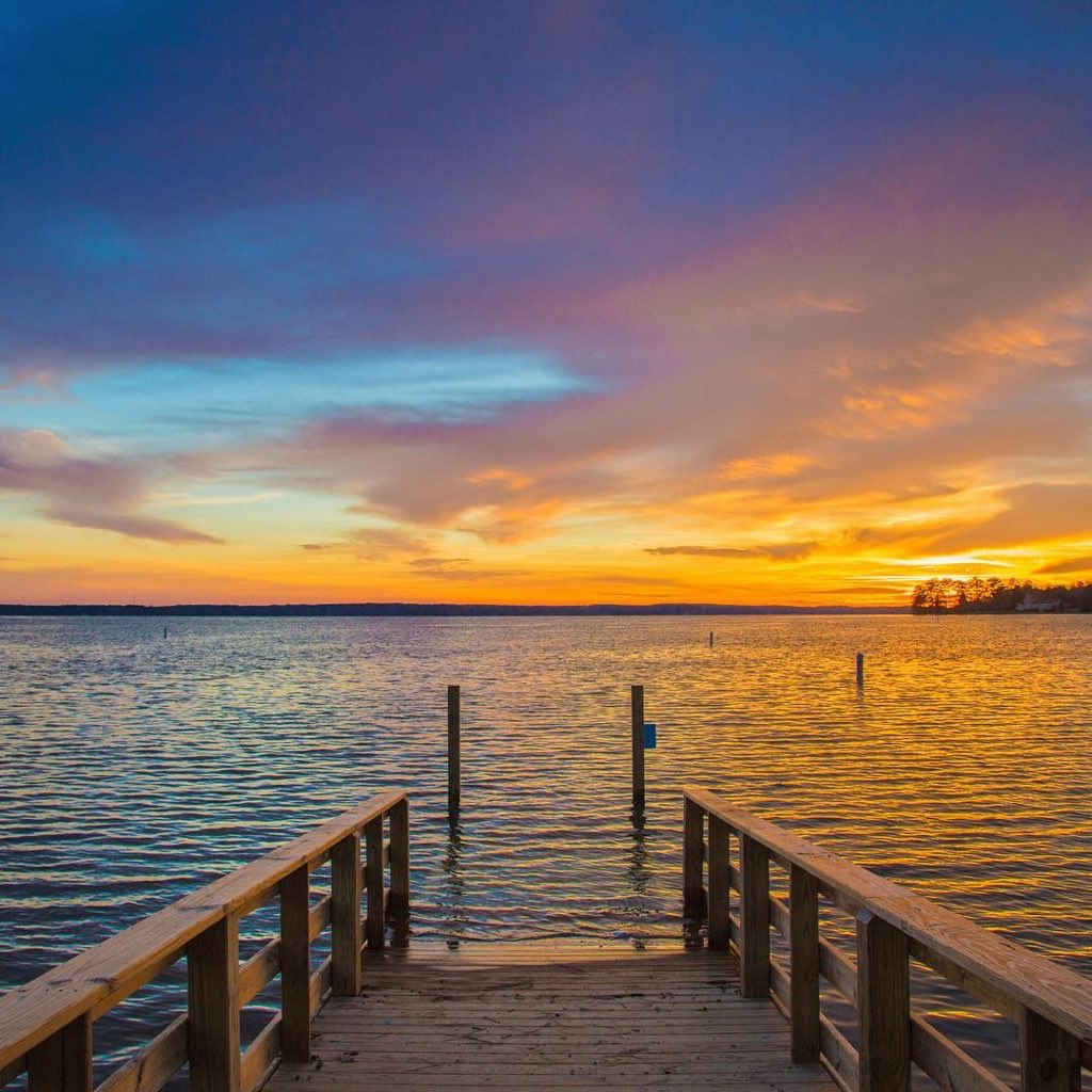 A stunning sunset over Lake Murray makes for a perfect end to the weekend.