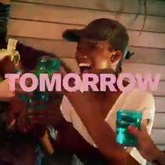 RT @ANTMVH1: Dreams become reality TOMORROW. #ANTM premieres at 10/9c on @Vh1. https://t.co/liRxjxIGZf