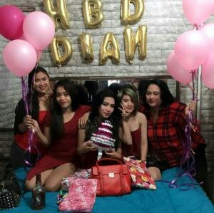 Come join me, or you'll be left behind #BIGOLIVE > Hbd to me. https://t.co/FHaXk9Qmot https://t.co/eflWbA9Ejd