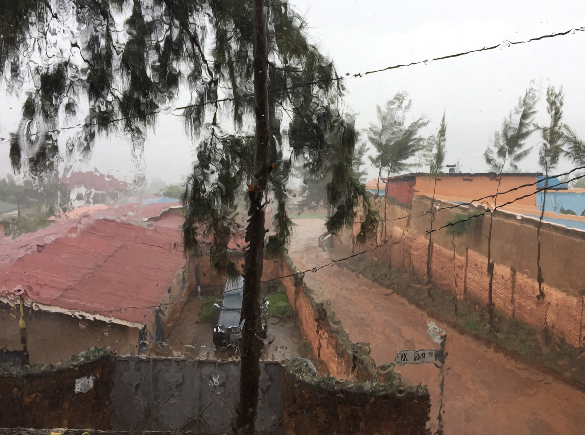 Greetings from a wet Kigali morning. #rainyseason https://t.co/KbOOJD9sf1
