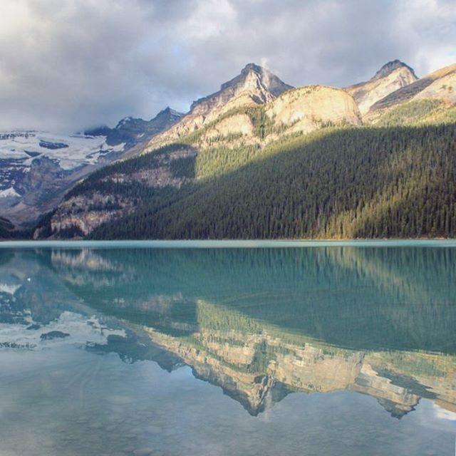 P2 Le lac Louise au petit matin 🇨🇦 @Explorezsansfin @travelalberta #Battlephoto https://t.co/3AhoEL8Y9C