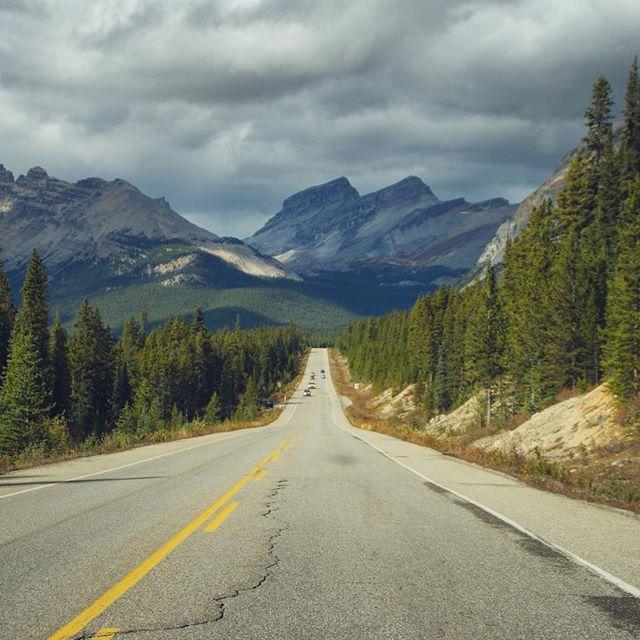 P3 Partir en road trip sur les routes canadiennes 🇨🇦 @Explorezsansfin @travelalberta #Battlephoto https://t.co/DlSbaAVfIV