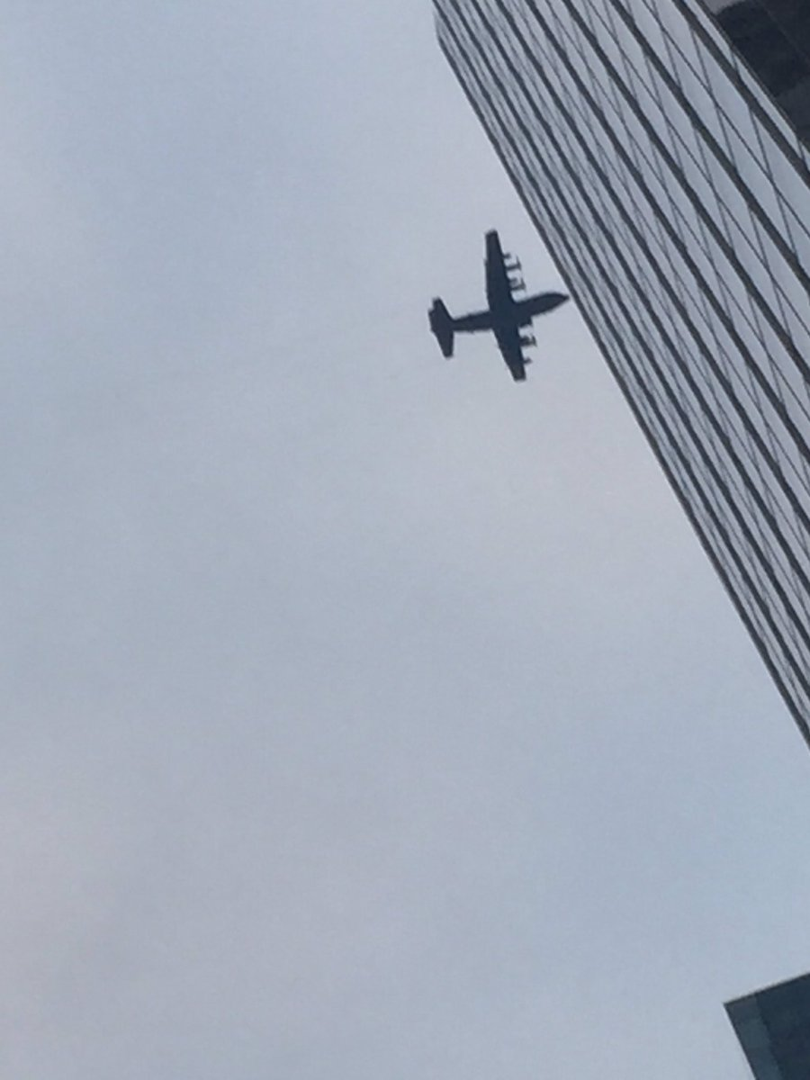 Truly rare sight: Lockheed C130 Hercules making lazy circles over Midtown. Day after DJT dissed Lockheed! https://t.co/aJcBpZkwEa