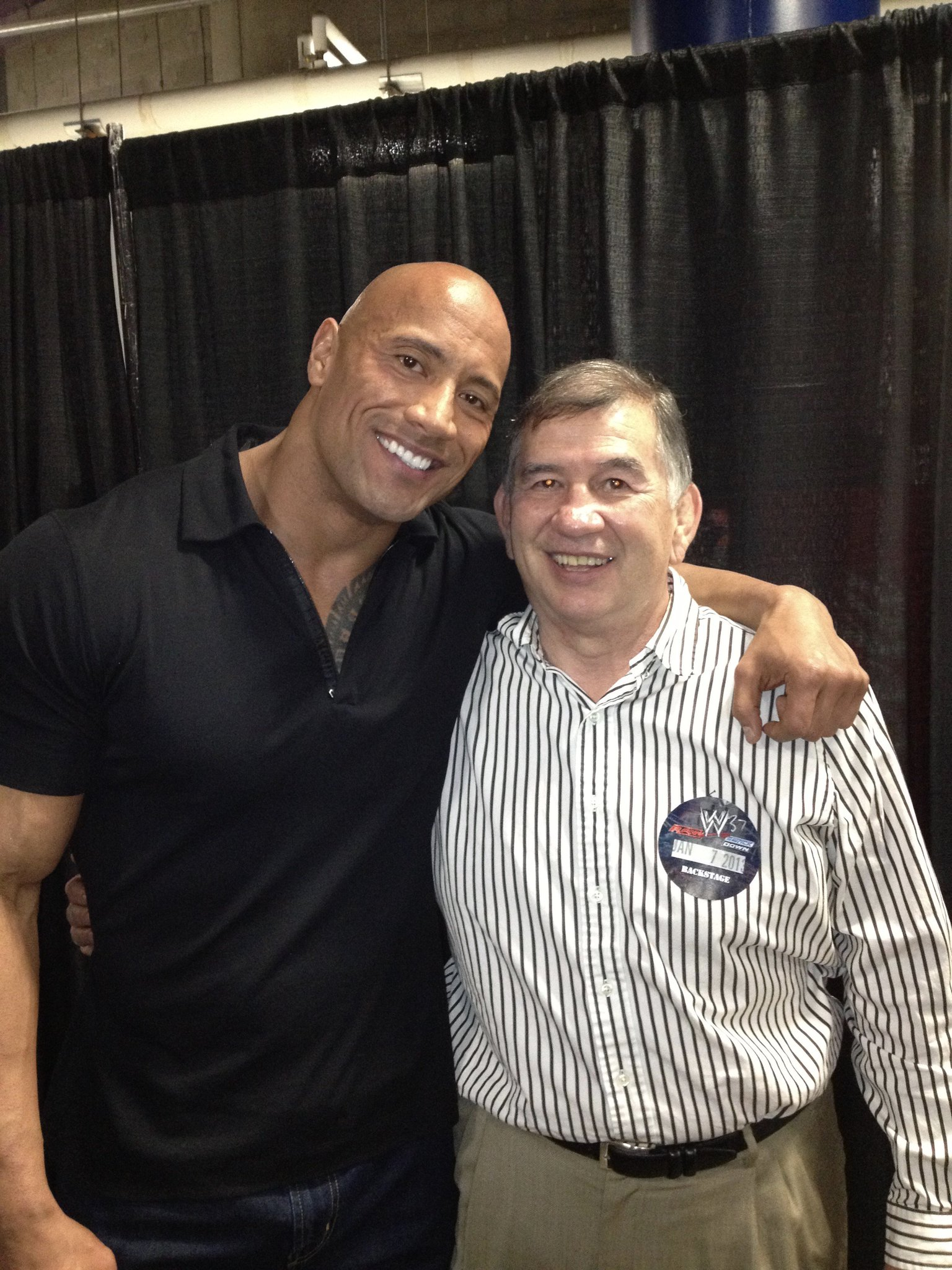 a photo of the sexiest man in the world and @TheRock https://t.co/hsIesv6xl4