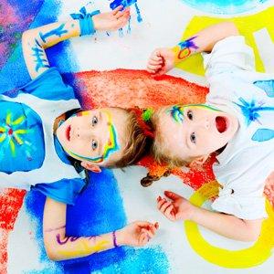 DIY de verano: Pintar camisetas a mano para niños