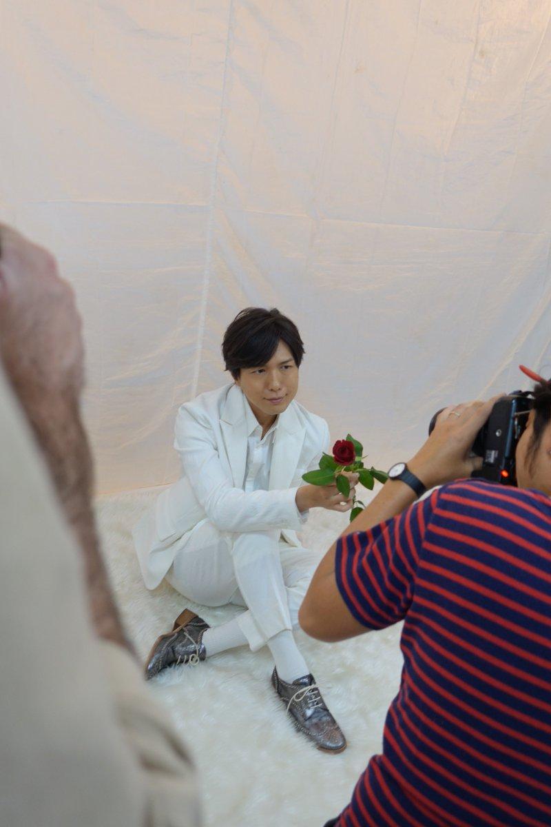 【月刊TVガイドお正月特大号は12月15日発売】(承前)声優グラビアご登場いたいた神谷浩史さん。インタビューでは映画『傷