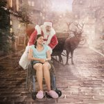 Christmas Hero: photographer surprises 30 sick kids with Christmas portraits