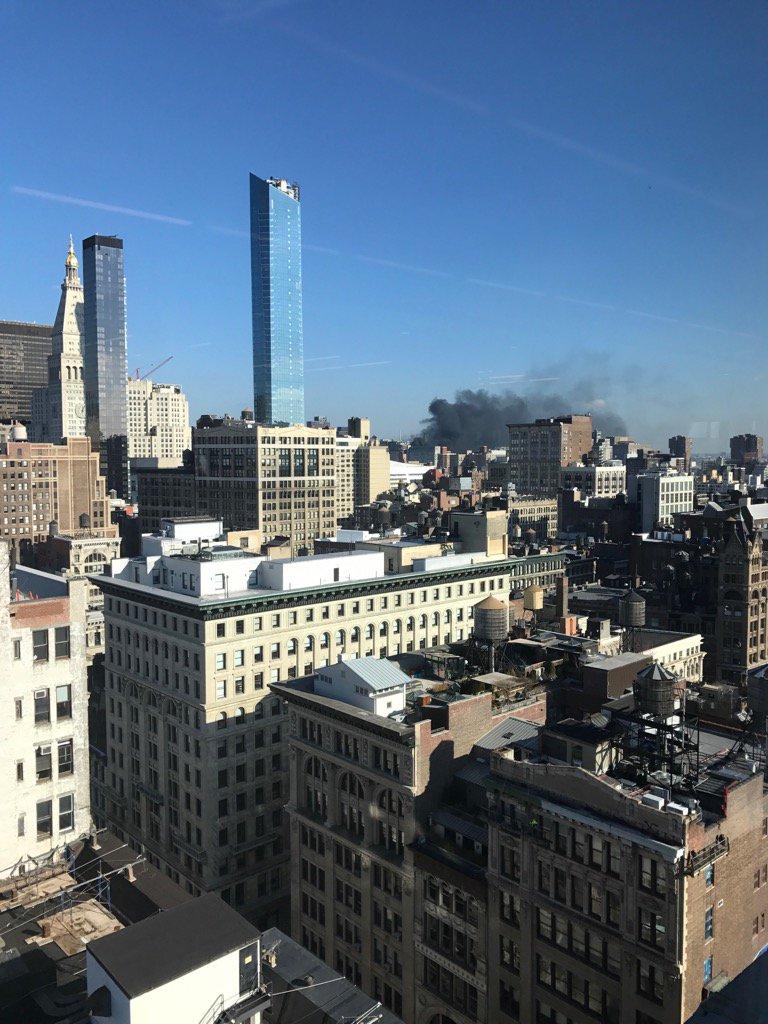 What's going on? Manhattan east side https://t.co/ffXCGjmERo