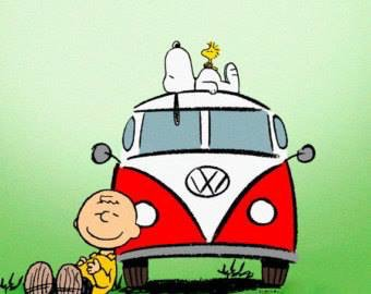 Happiness is...  #vwbus  #snoopy  #christmastimeishere https://t.co/i9WWnFaiPI