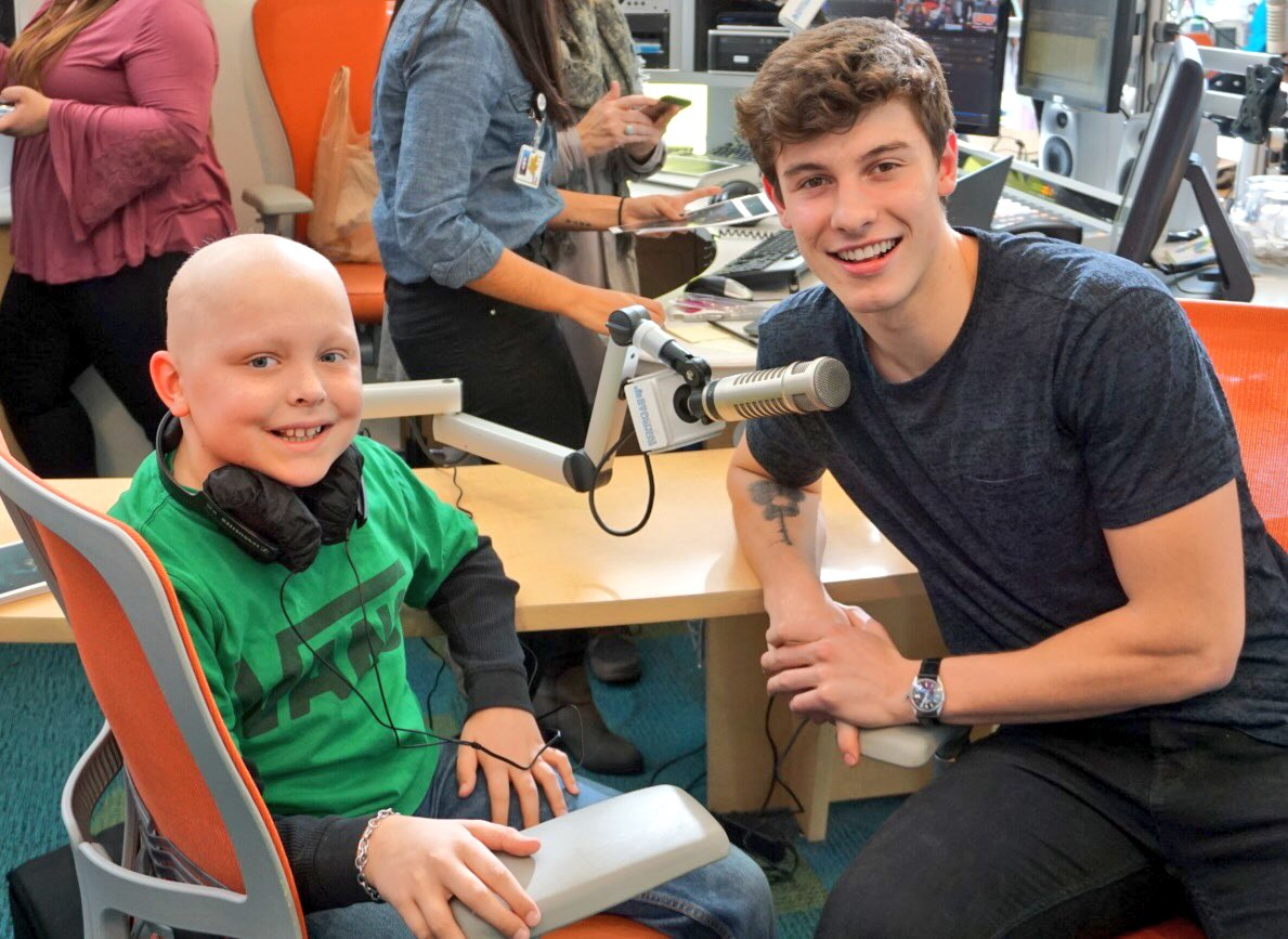 Our patients had the best time with @ShawnMendes at #SeacrestStudios today! https://t.co/Gs49ziIc02
