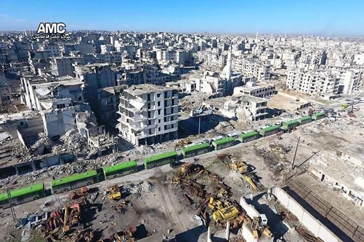 التغريبة الحلبية.. أكبر عملية تهجير قسري وطائفي في القرن الـ21، برعاية أممية وبسكوت عربي. #حلب https://t.co/spolMrdyQS